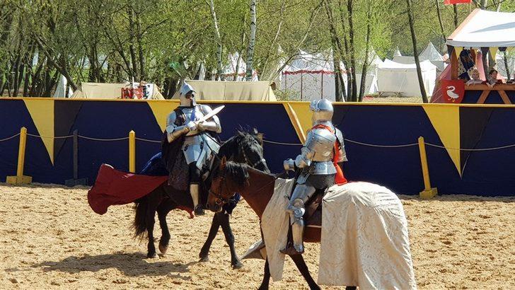Rusya'da ortaçağ festivali düzenlendi
