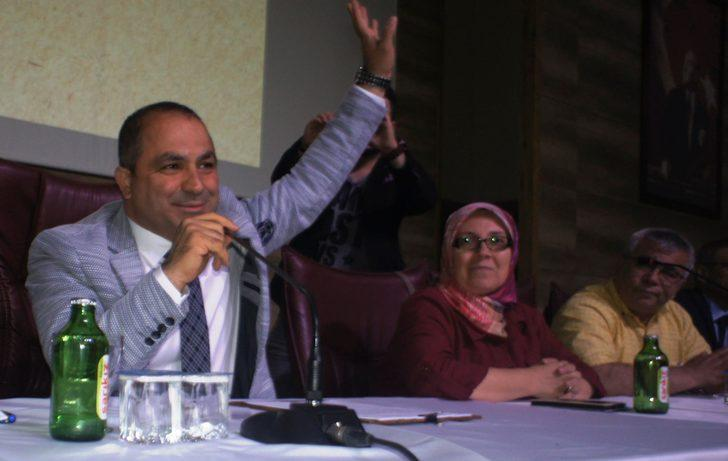 Alaşehir'in yeni Başkan Uçak'tan maaş bağışı