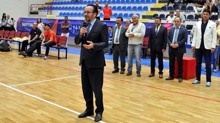 Adnan Menderes Üniversitesi Rektörü Cavit Bircan, engelli raporuyla ÖTV indirimli otomobil aldı