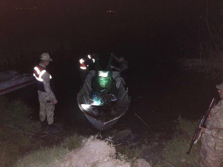 Kaçak avlanan 2 ton İnci Kefali, Van Gölü'ne geri bırakıldı