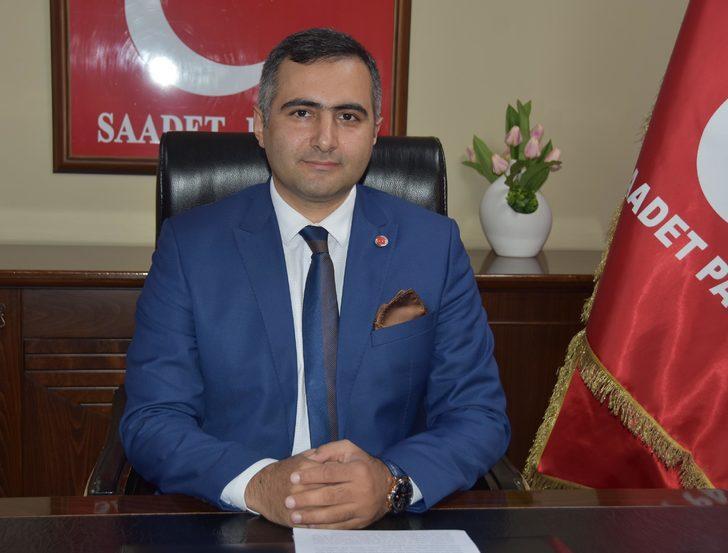 Saadet Partisi, İzmir'de 30 bin imza toplamayı hedefliyor