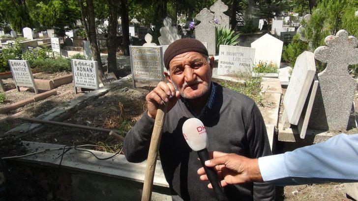 Gizemli kızın görüldüğü mezarlığa akın edenler, polise zor anlar yaşattı (2)