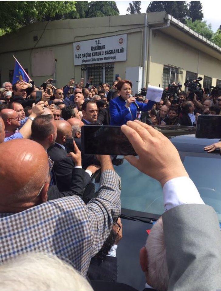 Meral Akşener 100 bin imza için Üsküdar İlçe Seçim Kurulu'nda