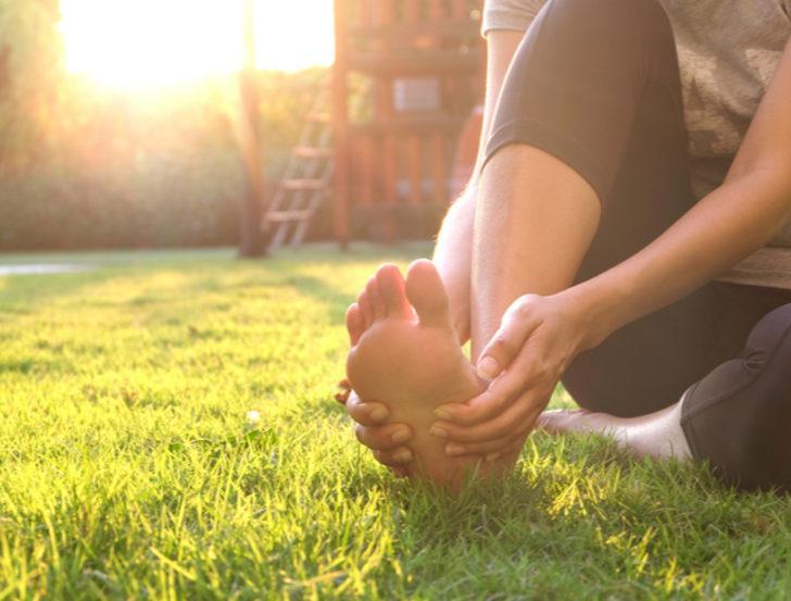 Yaz aylarında gün yüzüne çıkacak ayaklarımızın sağlığı için dikkat etmemiz gerekenler