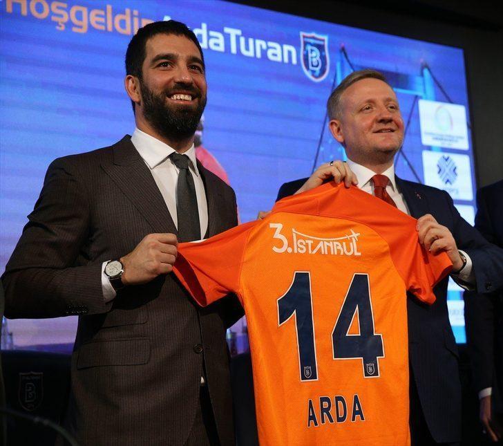 """Marca, """"Yan hakeme tavır koyan Arda, kırmızı kartla oyun dışı kaldı"""" derken, El Mundo Deportivo """"Yan hakemi iteleyen Arda, kendisini dışarıda buldu..."""