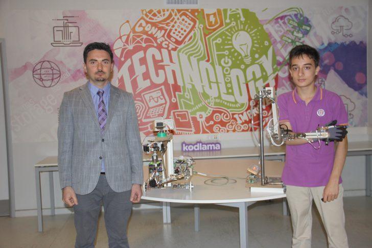 Kullanıcı dostu robot kol projesiyle birinci oldu