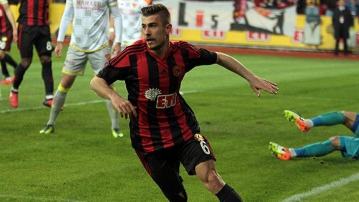 Galatasaray Dorukhan Toköz'le anlaşma sağladı!
