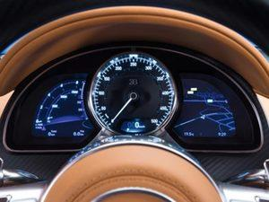 Dünyanın en hızlı otomobili hangisi biliyor musunuz? İddia konusu yol tipi bir otomobille en yüksek hıza ulaşmak olduğunda, ABD merkezli performans otomobilleri geliştiricisi Hennessey Performance Engineering, faaliyete başladığı 1991'dan yılından beri çeşitli modellerle başı çekiyor.