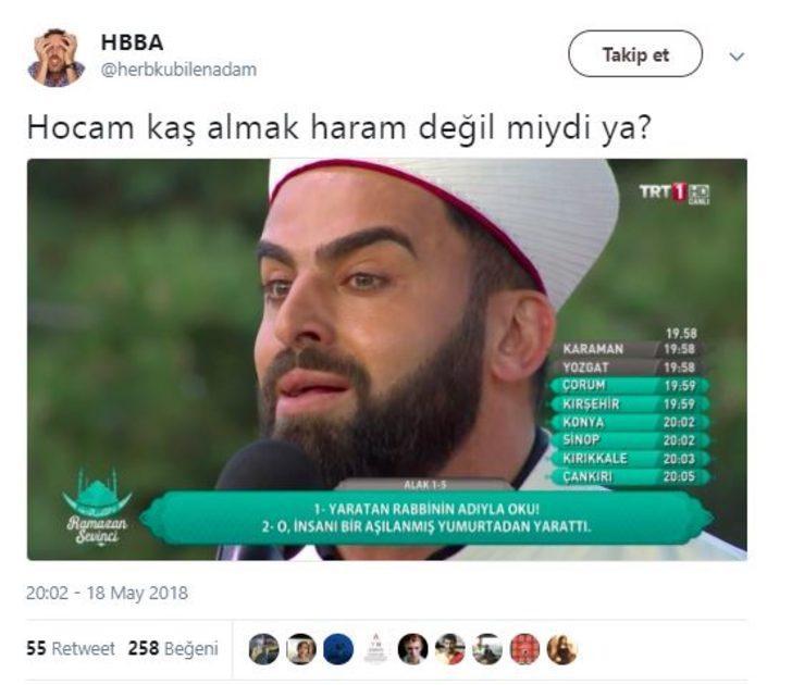TRT'de Kur'an okuyan hocanın kaşları olay oldu
