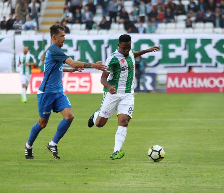 Samuel Eto'o devre arasında Antalyaspor'dan Atiker Konyaspor'a transfer olurken yeşil-beyazlı ekibin formasıyla 6 gole imza attı.