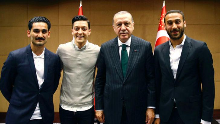 Thomas Müller'den Mesut Özil ve İlkay Gündoğan'a destek!