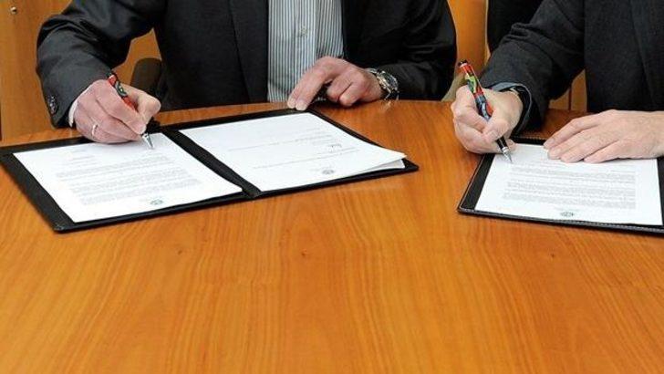 Spor Toto Süper Lig'de transfer dönemi başlarken, kulüpler yeni transferlerine art arda imza attırıyor. İşte biten transferler...