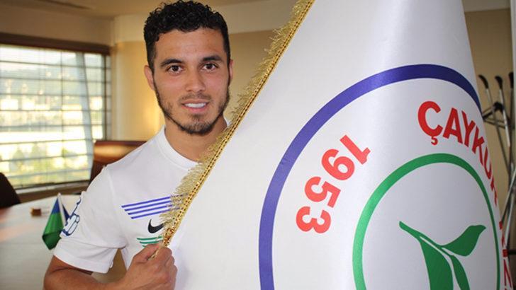 Mustafa Saymak Çaykur Rizespor ile 3 yıllık sözleşme imzaladı