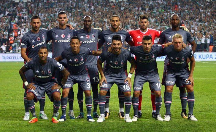 Beşiktaş, Oğuzhan Özyakup'un sözleşmesini 2022 yılına kadar uzattı!