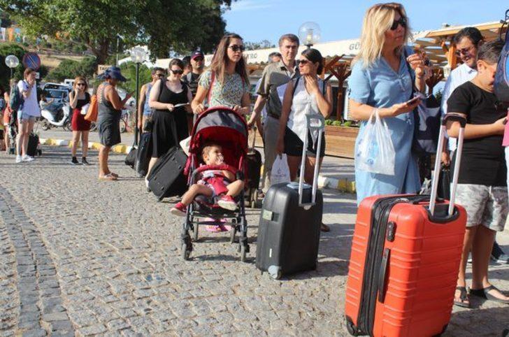 Yunan turistler alışveriş için akın akın Türkiye'ye geliyorlar