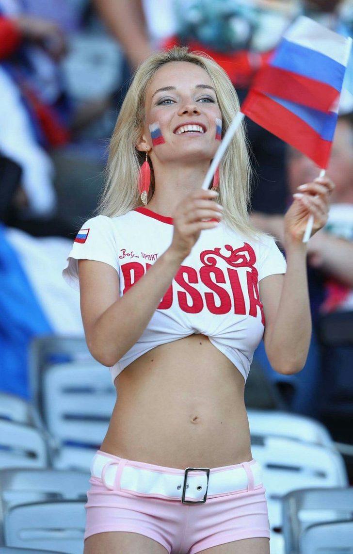 """Fakat tepkiler karşısında reklam kampanyasını geri çekmek zorunda kalan Burger King'in yetkilileri, """"Rusya'daki ekibimizin başlattığı kırıcı reklam kampanyası için üzgünüz"""" ifadelerini kullandı."""