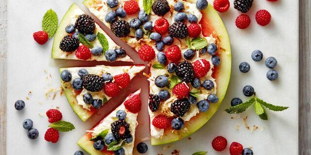 Sıcak yaz günlerinin vazgeçilmezi karpuzla yapabileceğiz 6 farklı lezzet