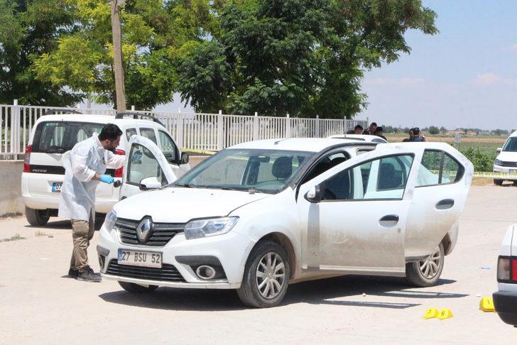Картинки по запросу Suruç'ta havaya ateş açarak durdurulan otomobilde 4 çuval oy pusulası ele geçirildi