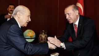 Erdoğan'a tebrikler yapmaya başladı