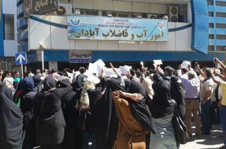 İran'da 'su' protestosu büyüyor! 1 kişi hayatını kaybetti