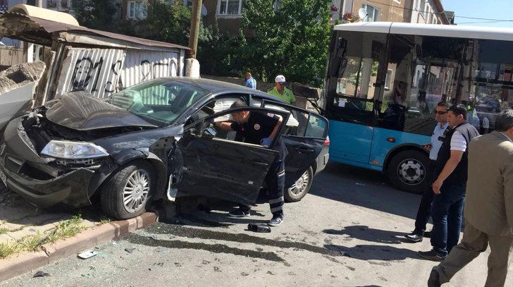 YKS'ye giderken kaza yaptılar: 4 yaralı