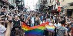 Yasağa rağmen LGBTİ+ bireyler Onur Yürüyüşü için İstanbul'da bir araya geldi