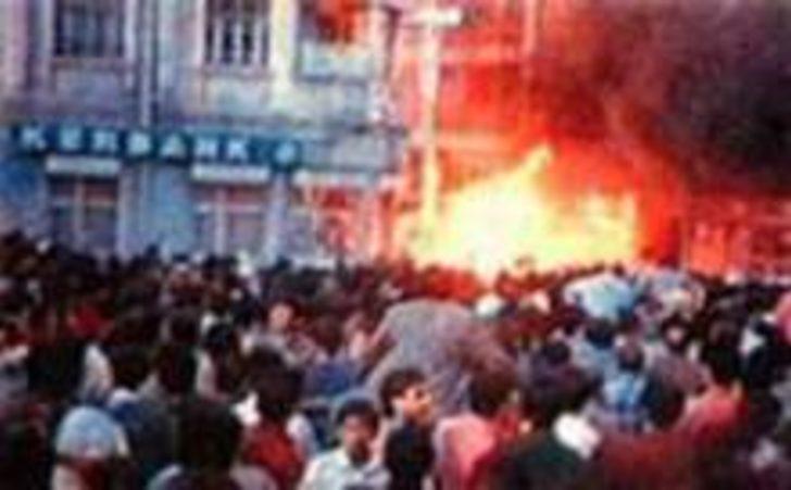 Sivas Katliamı 25. yıldönümünde! Sivas - Madımak katliamında neler yaşandı?