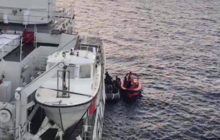 Seferihisar'da 45 kaçak göçmen yakalandı