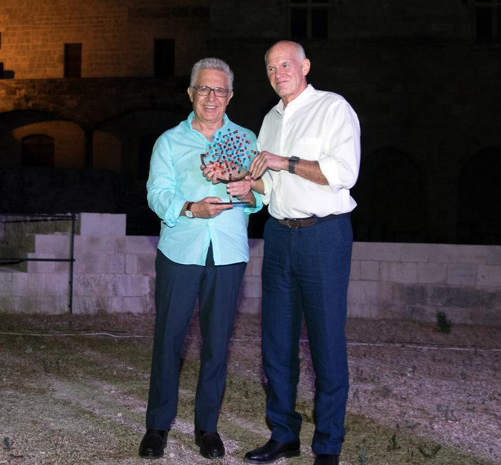 """Yunanistan'dan Livaneli'ye """"Barış Ödülü"""""""