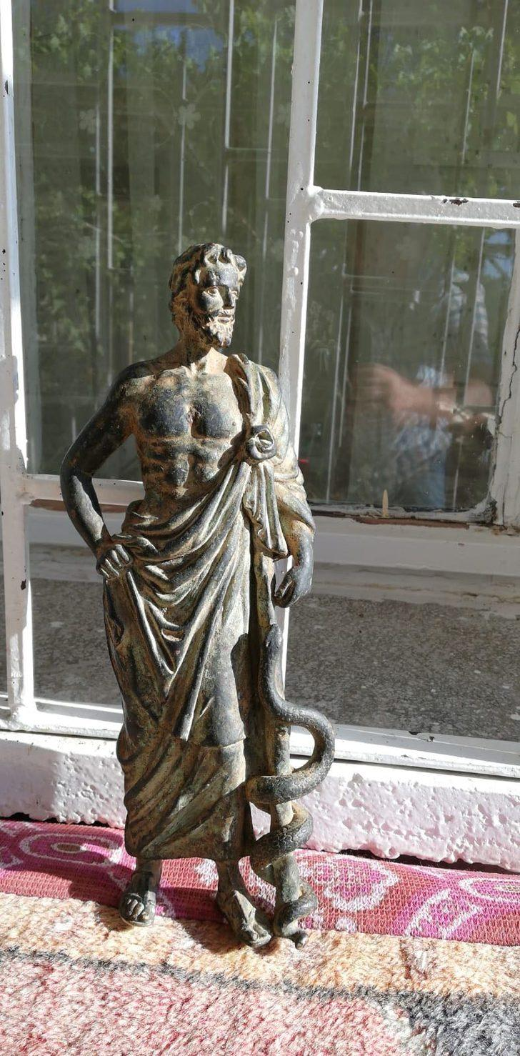 Silah operasyonunda tarihi heykel ele geçirildi