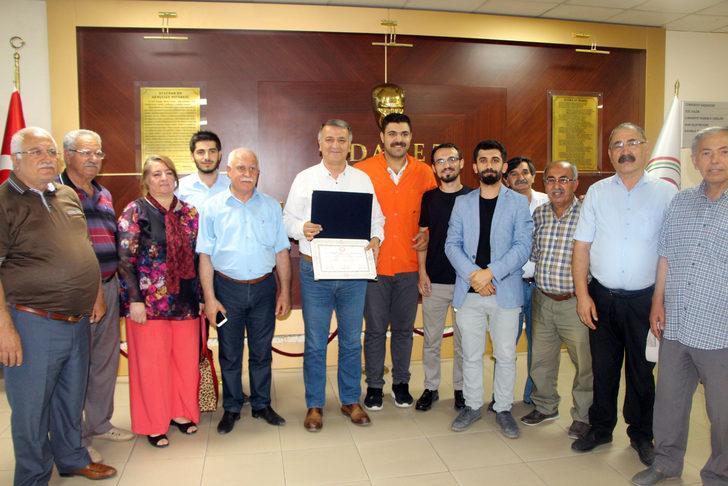 HDP'li Mahmut Toğrul mazbatasını aldı