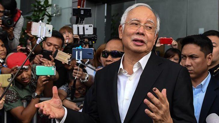 Eski Malezya Başbakanı Gözaltına Alındı