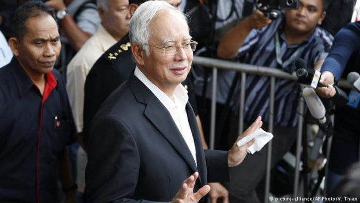 Malezya'nın eski başbakanına gözaltı