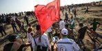 İsrail Türk bayrağını sallayan genci böyle vurdu