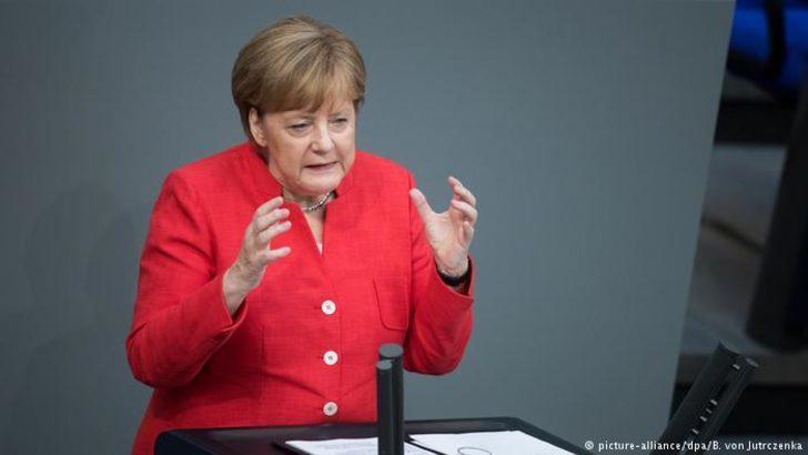 Merkel mülteci uzlaşmasını savundu