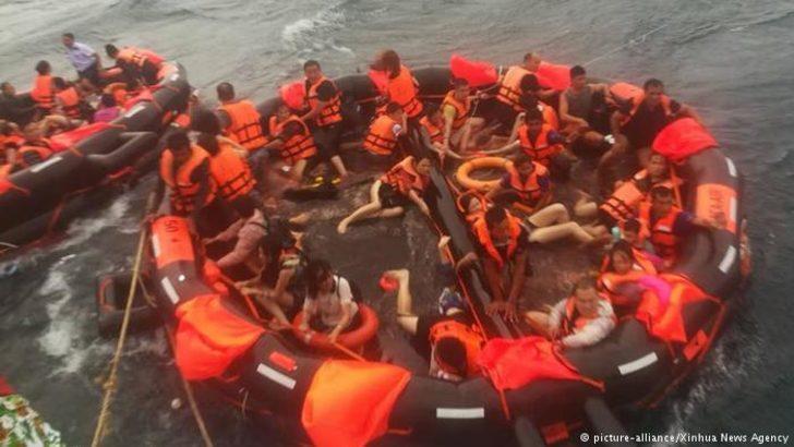 Tayland'da turist taşıyan tekne devrildi: 21 ölü