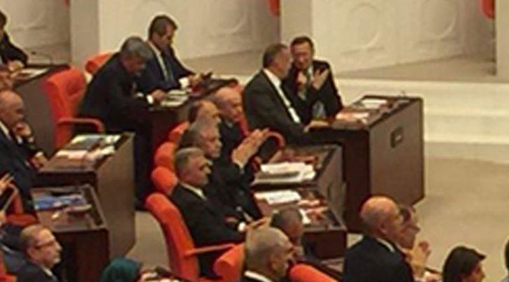 TBMM'de ilginç görüntüler! Cumhurbaşkanı Erdoğan gelince ayağa kalkmayan Bahçeli, Kılıçdaroğlu'nu alkışladı