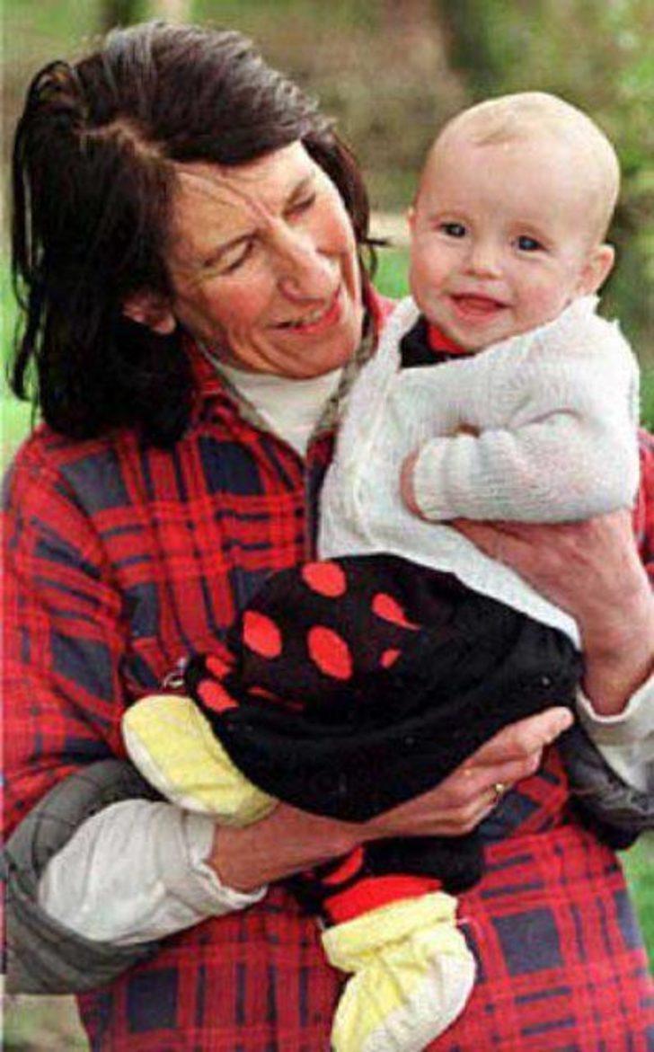 İki çocuğu arasında en fazla yaş farkı olan anne (41 yaş)