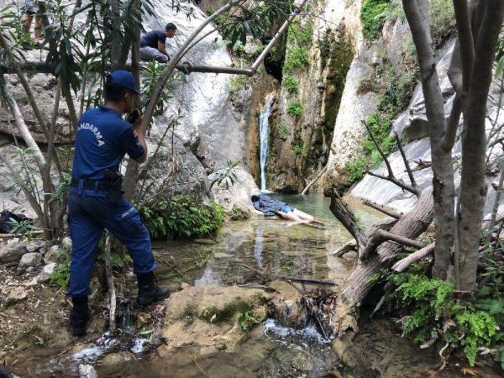 Fethiye'de kayalıklardan düşen Azeri turist hayatını kaybetti