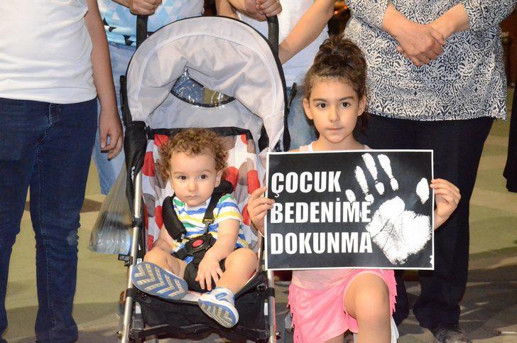Aydın'da çocuk istismarları protesto edildi