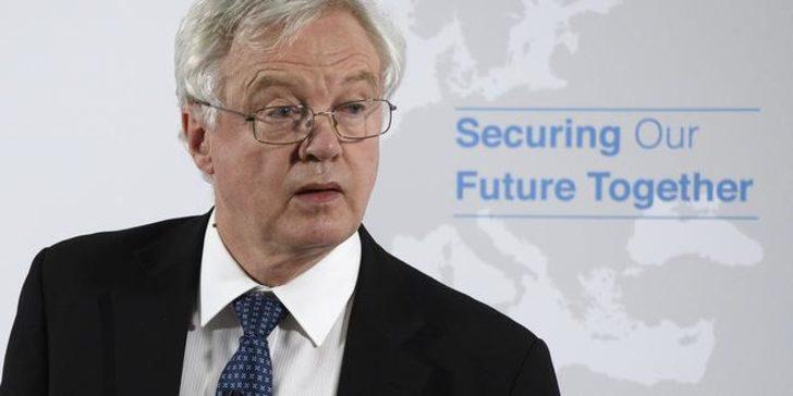 İngiltere'de Brexit Bakanı Davis istifa etti