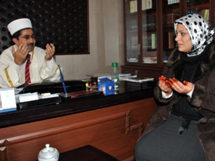 Bulgar kadın Erciş'te müslüman oldu