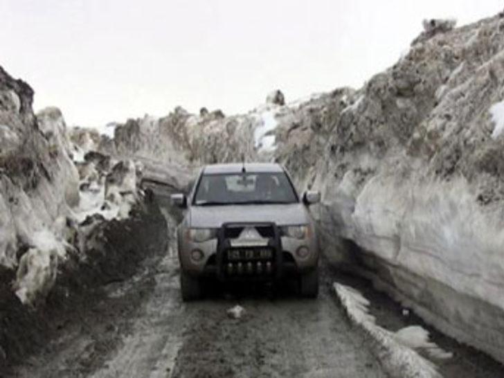 Palandöken'de kar kalınlığı 5 metreyı çıktı