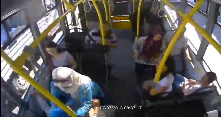 Kadın otobüs şoförü fenalaşan yolcuyu hastaneye yetiştirdi
