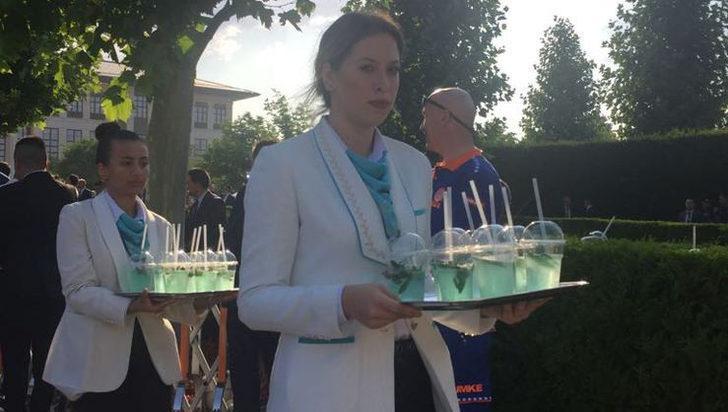 Abıhayat suyu nedir? Külliye'de misafirlere dağıtılan abıhayat suyu törene damga vurdu