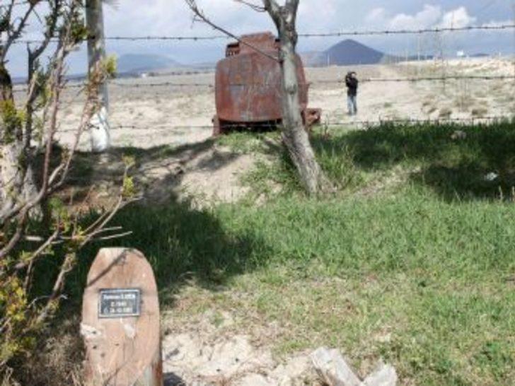 Trafik kazasında ölen 49 kişinin ismini taşıyan anıt park çöplüğe döndü