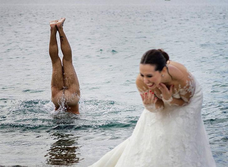 Düğün fotoğraflarına renk katan katan davetsiz misafirler