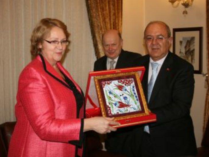 Litvanya Büyükelçisi Krıskovıecıene, Viking Projesi için Bursa'da