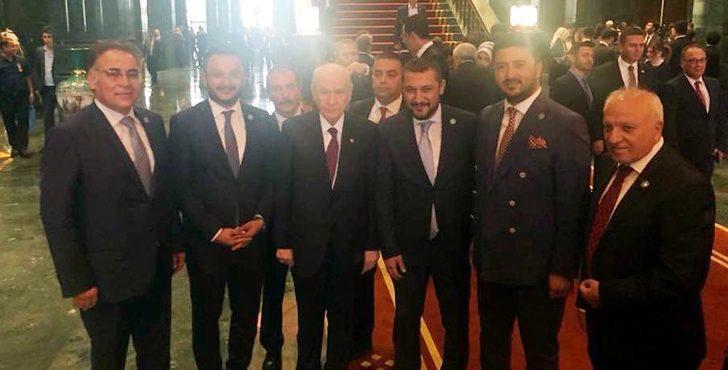 Külliye'de, Bahçeli ile AK Parti'lilerin 'ittifak' fotoğrafı