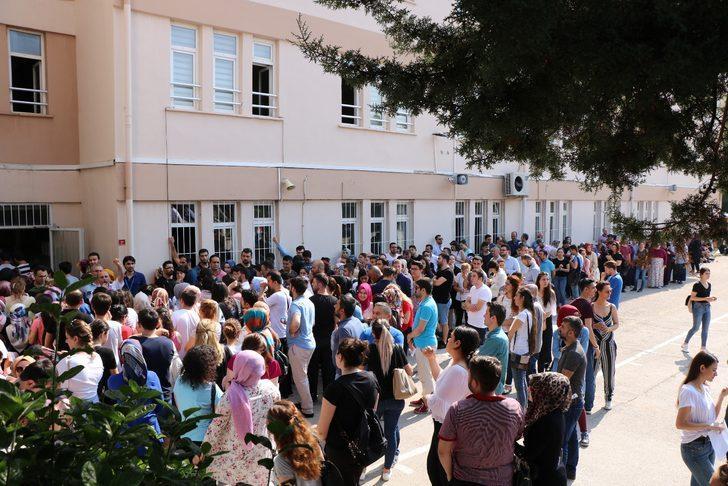 Zabıt katibi adayları, 'klavye' sınavında yarıştı